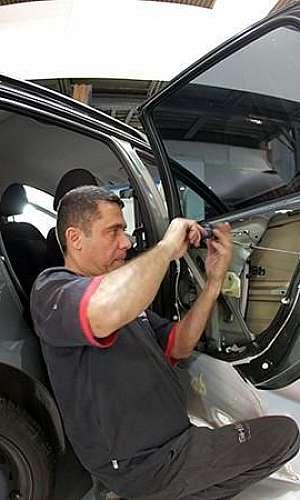 Reparo em fechaduras de carros blindados